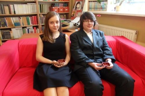 Monika i Piotr na sofie - z sofkami :-)